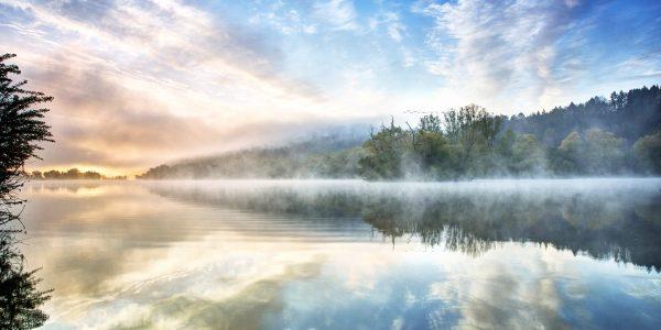 lake-2726653_1920